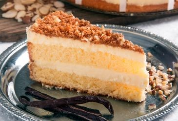 Toasted Almond Cream Cake
